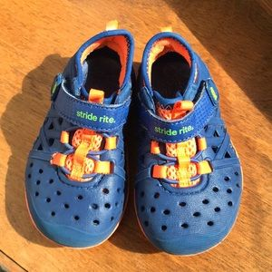 Stride Rite Phibian Made 2 Play sz 5 shoes water